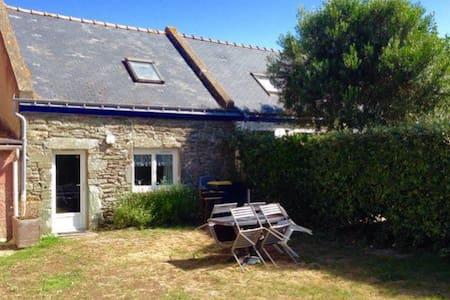 Charmante maison avec jardin - Groix