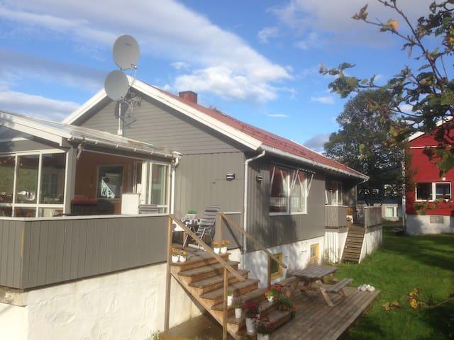 Room - Tromsø - Kvaløya - Kaldfjord - Eidkjosen - Casa