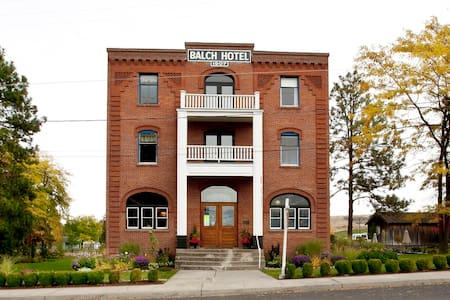 Historic Balch Hotel-Traditional Room Shared Bath - Dufur - Bed & Breakfast