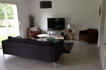 Maison 180 m2 avec  jardin - Goupillières - Talo