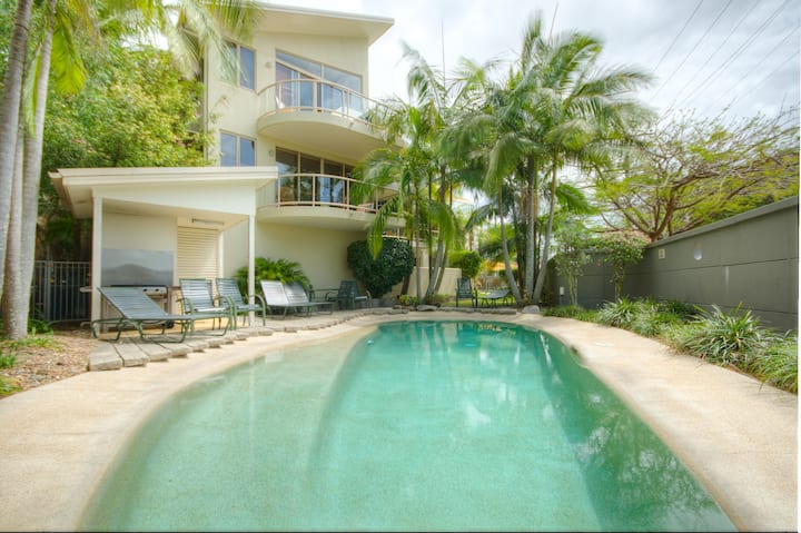 Riverfront Apartment in Noosa Qld