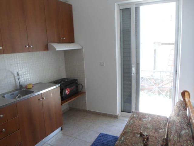 Γκαρσονιέρα 35τμ - Λαμία - Apartment