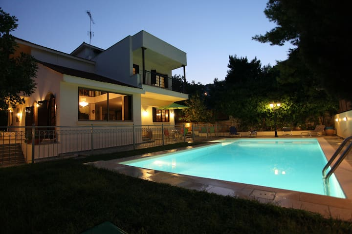 Mansion, ideal for visiting Athens - Ραφήνα - Villa