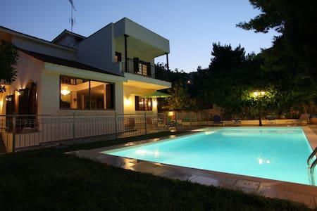 Mansion, ideal for visiting Athens - Ραφήνα - Villa