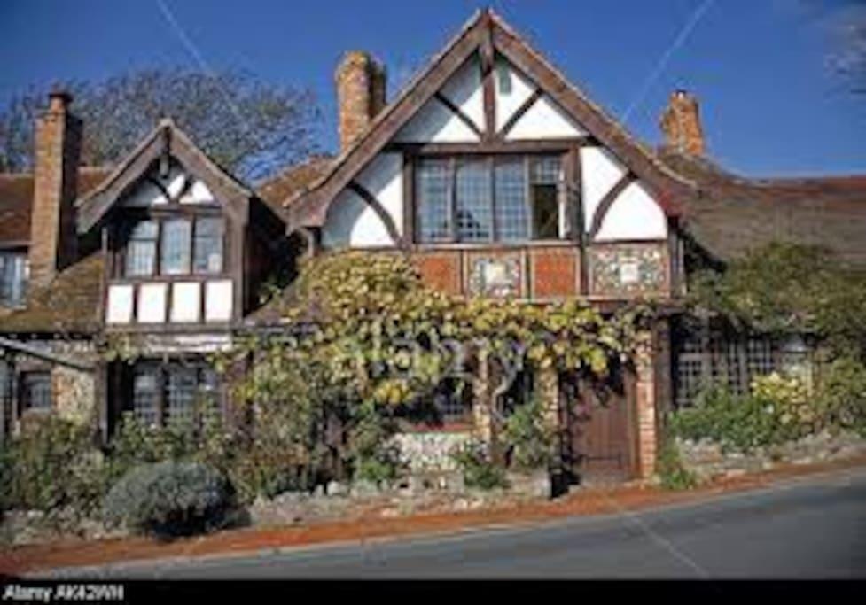Large room can accommodate up to 4 people case in for Piani inglesi della casa del cottage del tudor