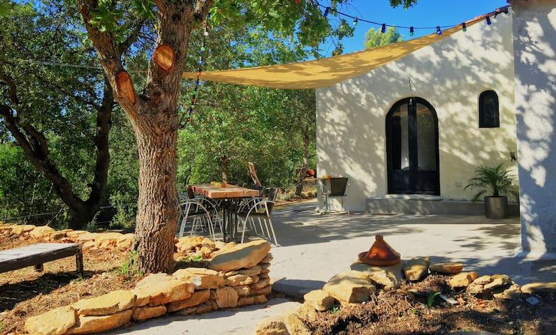 Chambre d'hôtes en villa familiale - Jouques - Villa