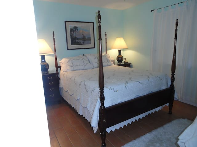 Charming Key West style Cottage: LONG TERM ONLY - Port St. Lucie - Haus