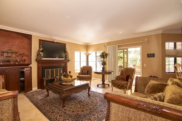 Cozy, Traditional Guest Bedroom