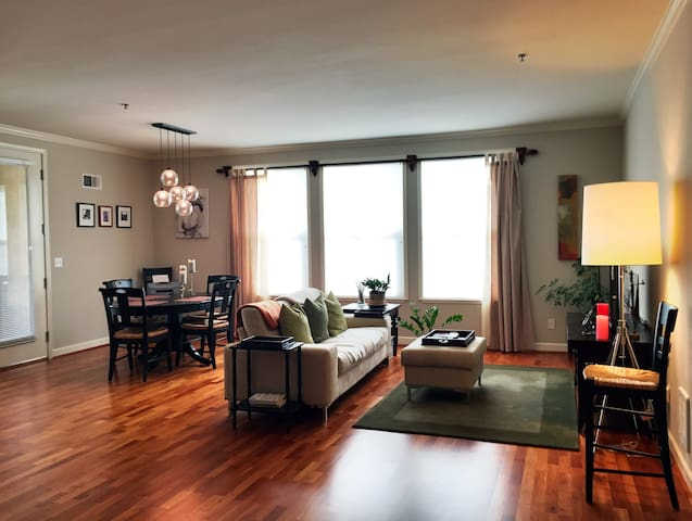 Walk to downtown - Luxury 2br/1b - Mountain View - Appartement en résidence
