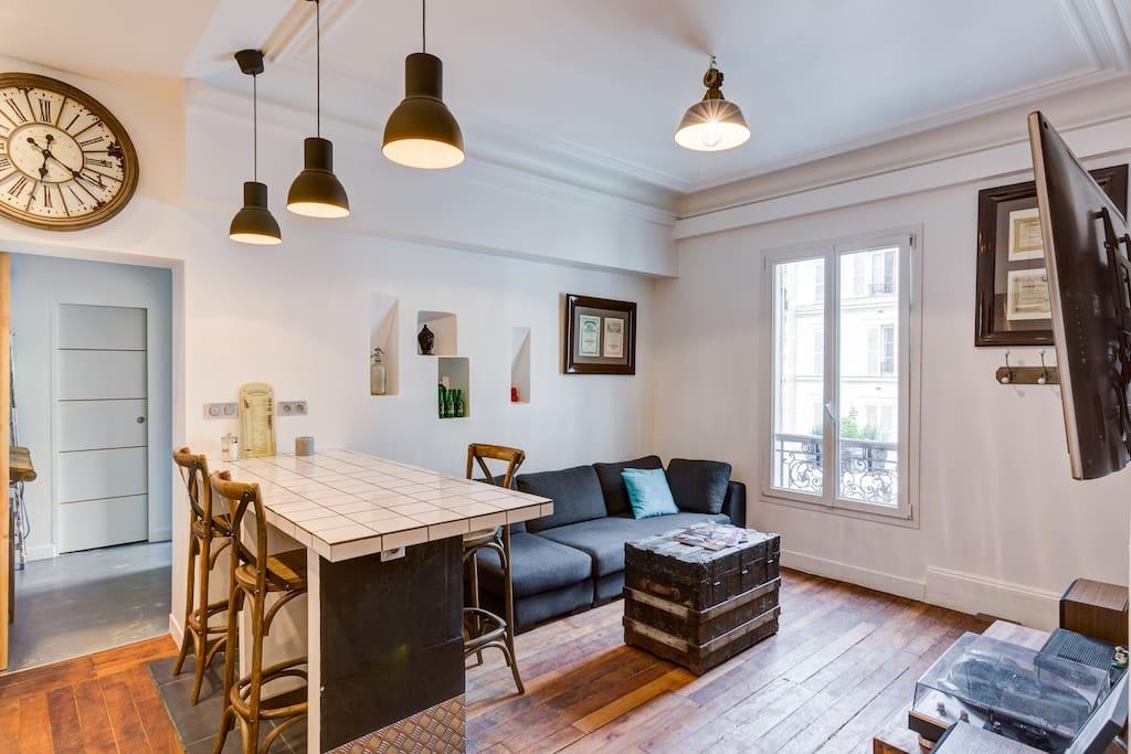 Appart moderne au sud de pigalle appartements louer for Appart hotel paris location au mois