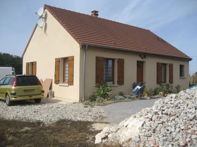 maison 80m2 et grand jardin - Brannay