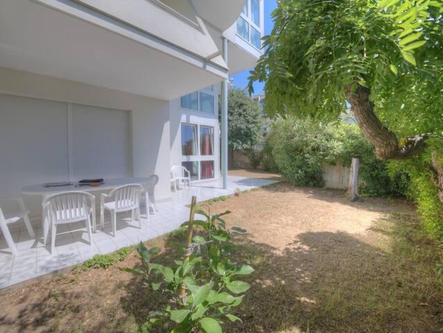 3 pièces en rez de jardin avec terrasse