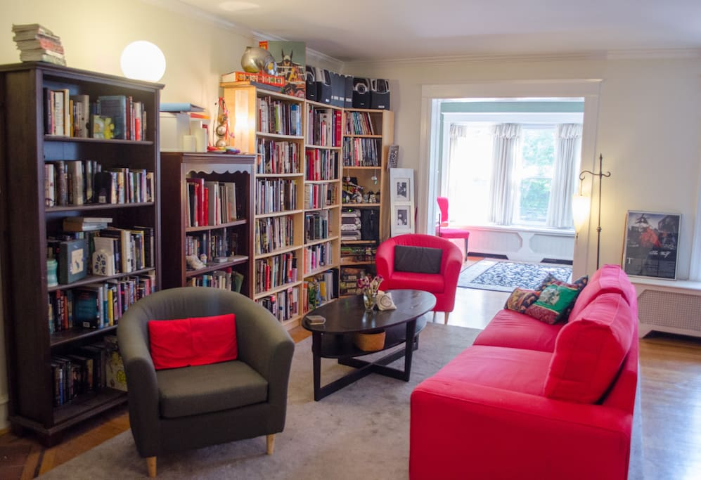 Spacious living room with a full library of books and games to keep you entertained during your stay.
