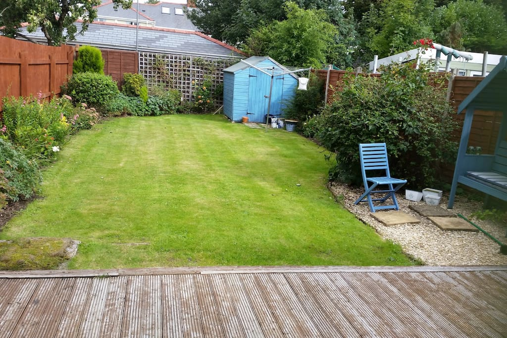 Large well kept garden.