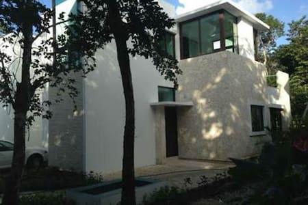 House in Golf & Wellness Resort - Akumal