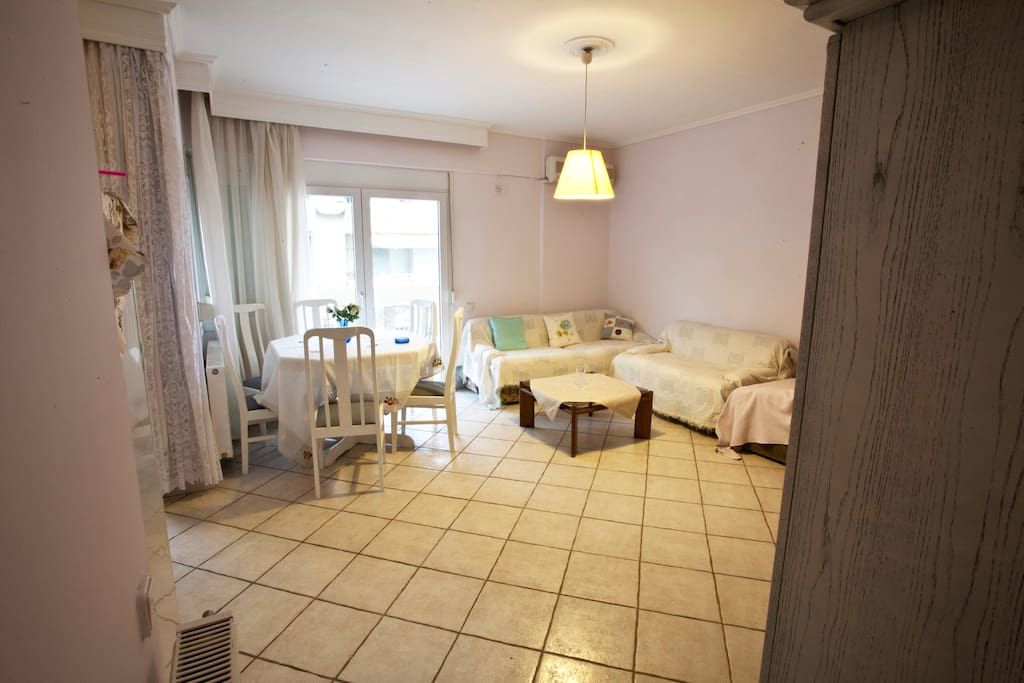 Cozy apartment 50m from the beach