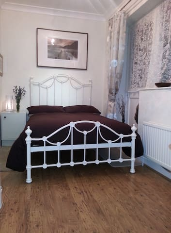North Wales B&B with a difference2 - Penmaenmawr - Bed & Breakfast