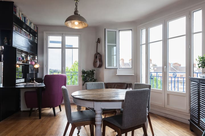 dining room with amazing view!