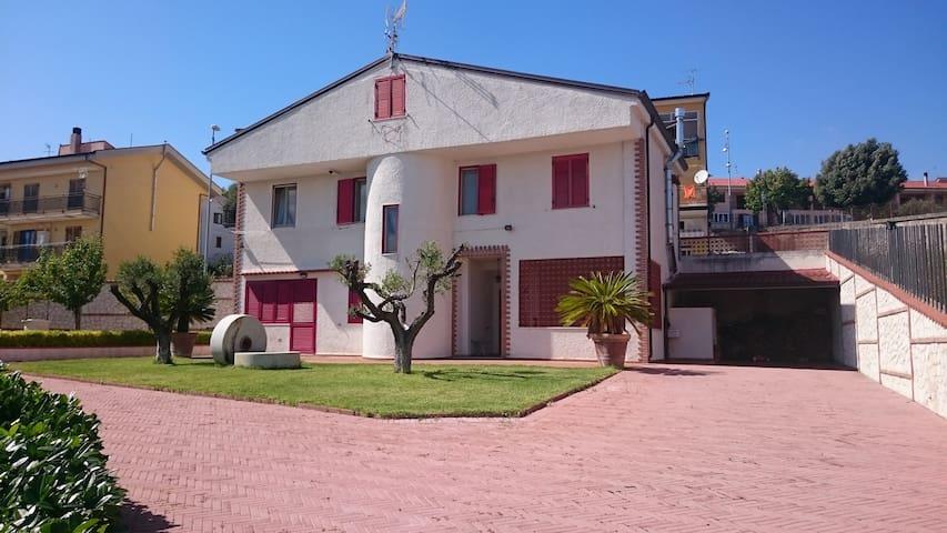 Villa Baione - Tranquility - Romagnano Al Monte - House