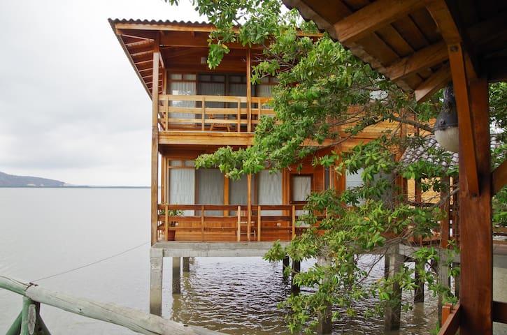 Suite Marina sobre el Agua - Bahia de Caraquez - Bed & Breakfast