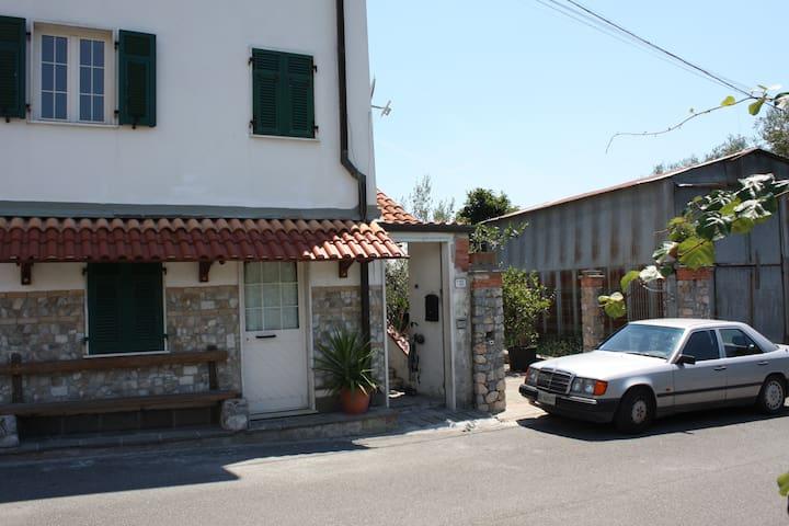 ASSOLUTA TRANQUILLITA' - Serralta - Apartment
