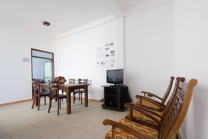 SAGA  HOME  R.7 Huge room with two big windows - Ambalangoda - Flat
