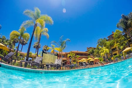 Amazing Resort Style Condo near LAX - Los Angeles - Apartmen