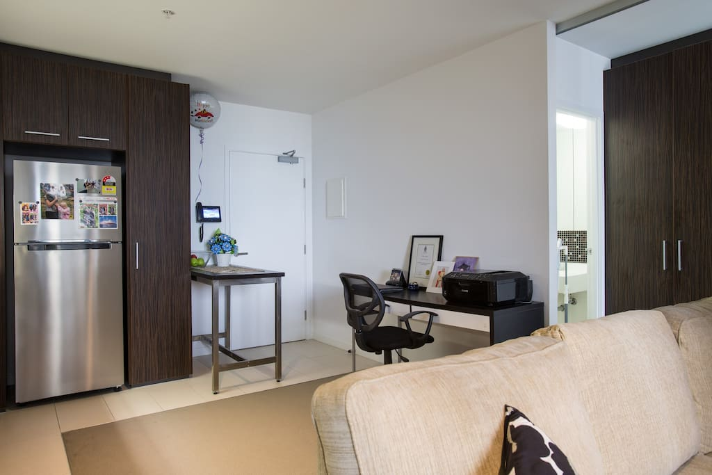 Melbourne Cbd 1 Bedroom Apartment Apartments For Rent In Melbourne Victoria Australia