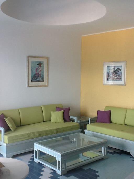 Front de mer piscine a proximite apartments for rent in for Inter meuble hammam sousse