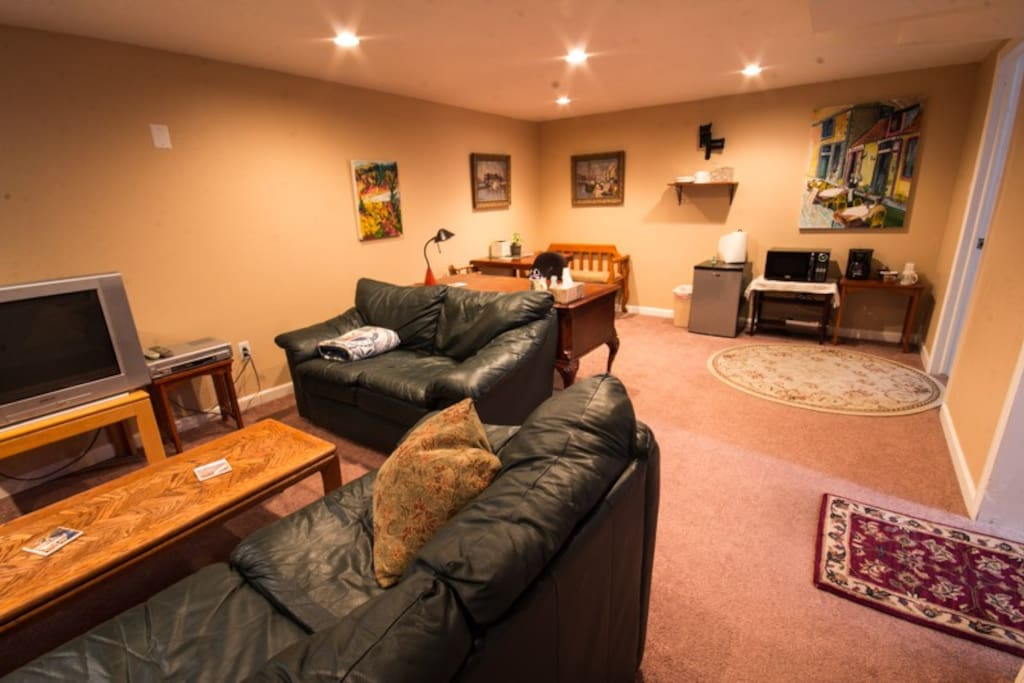 the whole basement is yours during your visit!