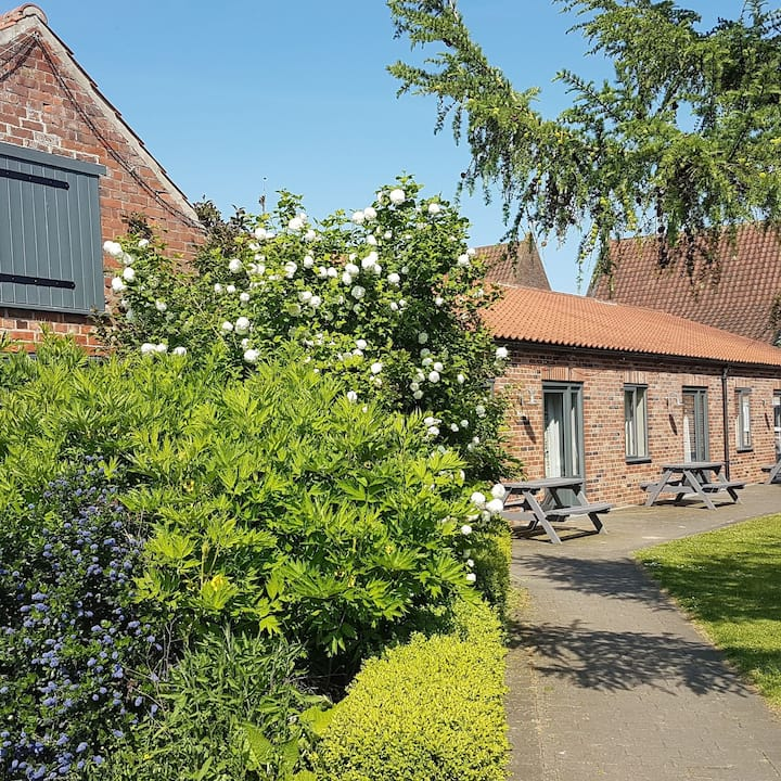Beech Cottage, a wheelchair accessible cottage with wet room in Lincolnshire