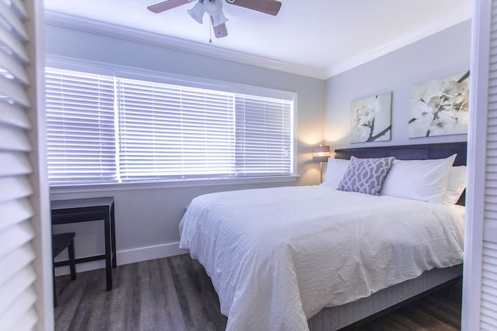 Island Suites Tampa Awesome Furnished Apartment