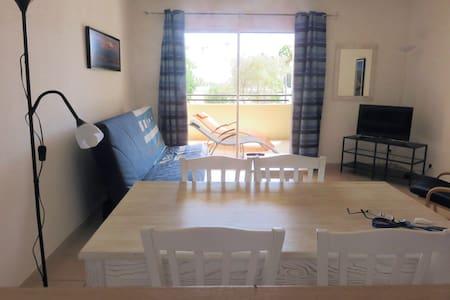 Appartement proche port et plages - Apartament