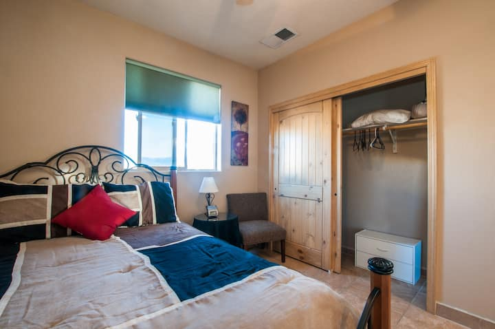 Separate Private Detached 1 Room Casita for 2