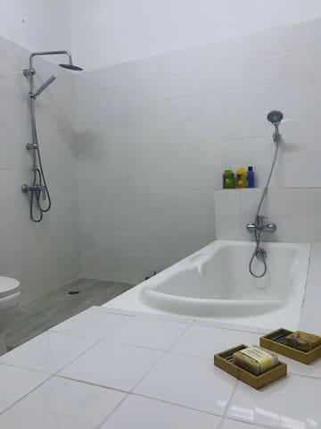 Chambres agréables et sécurisées Cocody 2Plateaux