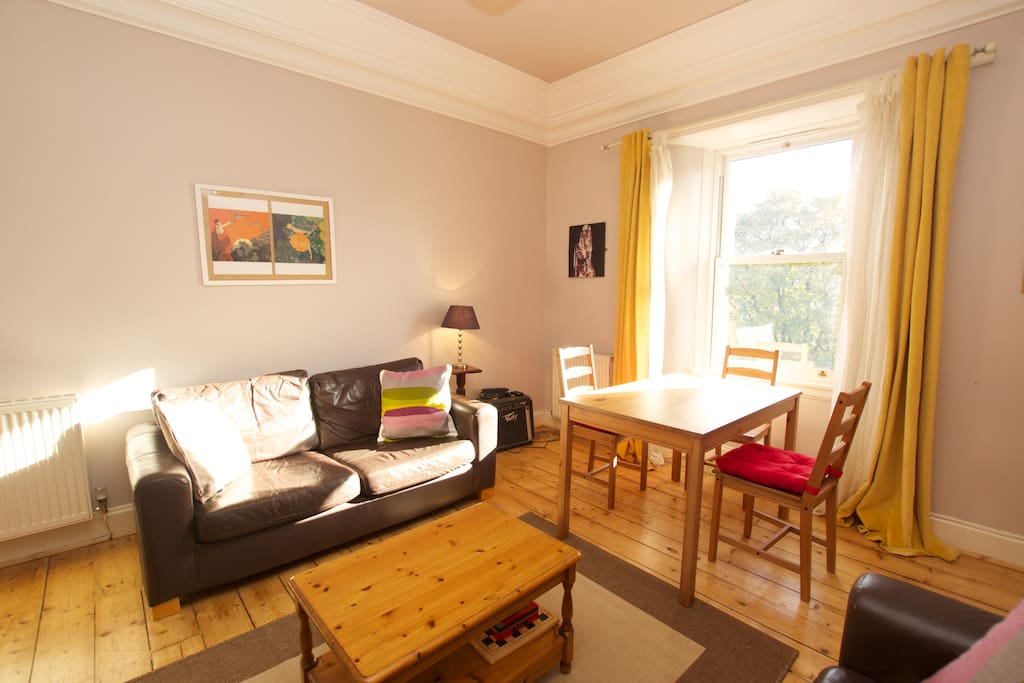 Edinburgh Flat with 2 double bedrooms