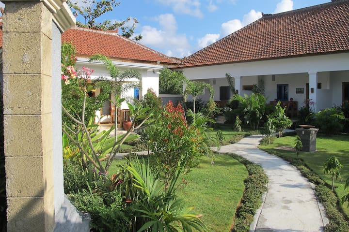 Bukit Indah, Selong Belanak - Selong Belanak - Bed & Breakfast