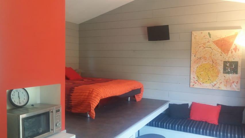 Studio indépendant dans jardin - Le Haillan - Apartment