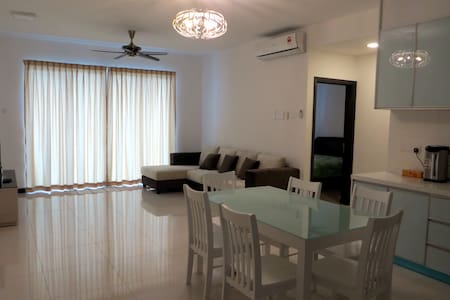 Penang Luxury Condo Seaview Stay - Gelugor - Appartement