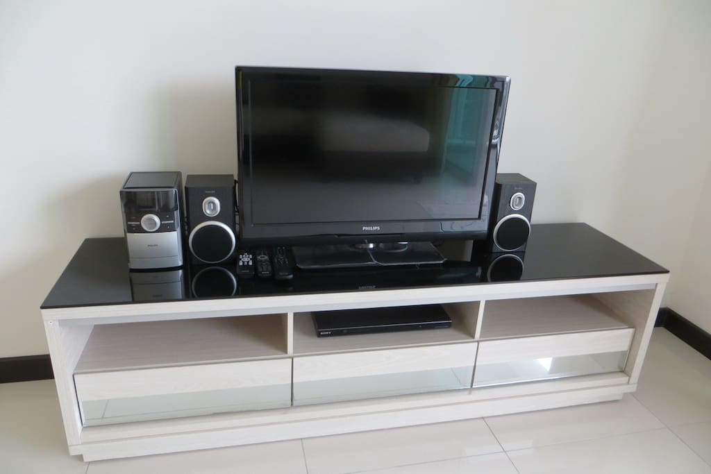 LCD TV with Mini Hifi