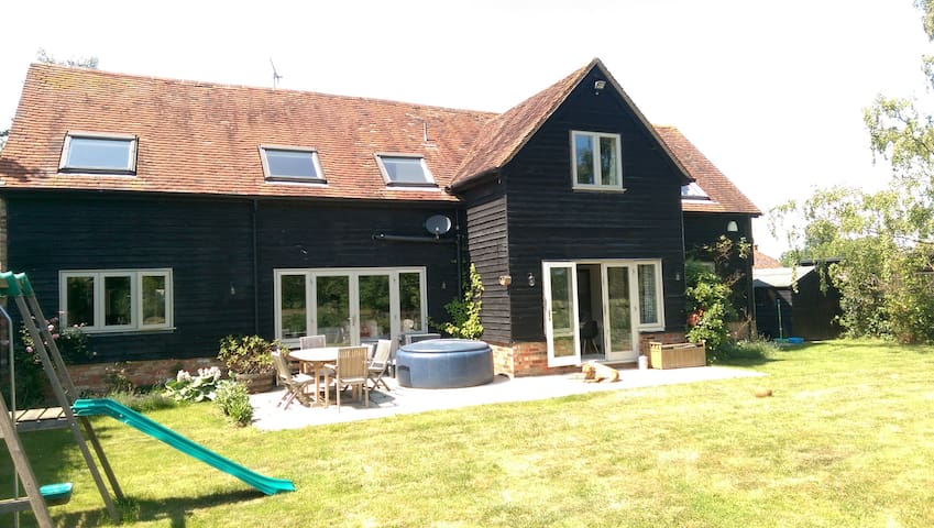 Barn conversion in Chiltern Hills - Great Missenden - Дом