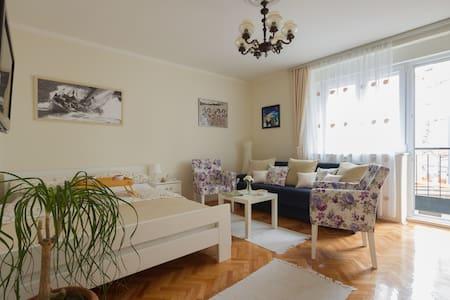 SQUARE NEST-Skadarlija market - Beograd - Wohnung