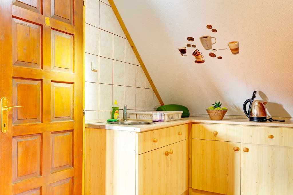 tetőtéri kisapartman konyha
