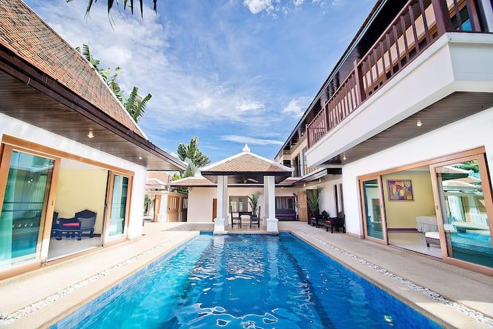 Private Pool Jacuzzi 4 Bedroom Villa 3