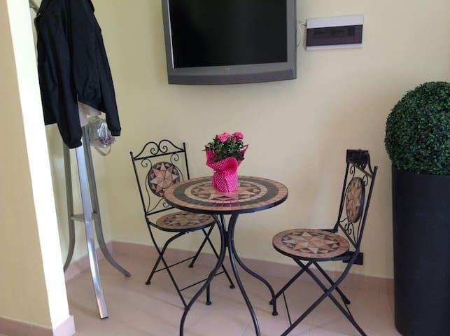 Grazioso appartamento bilocale - วิโก อีเควนส์ - อพาร์ทเมนท์