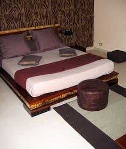 Chambre La Croix Mont - TROIS PUITS - Bed & Breakfast