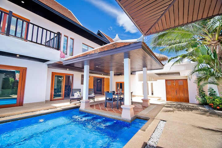 Private Pool Jacuzzi 4 Bedroom Villa 2