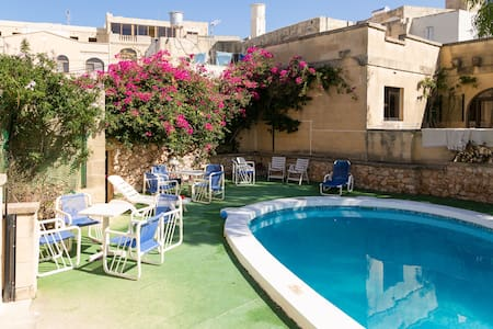 Single Bed in Shared room with Pool - Xagħra - Bungalow