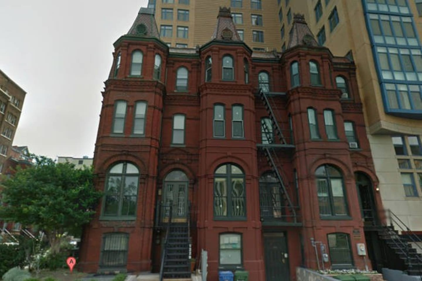 1870 Victorian rowhouse, completely renovated in 2015 with high end architectural features