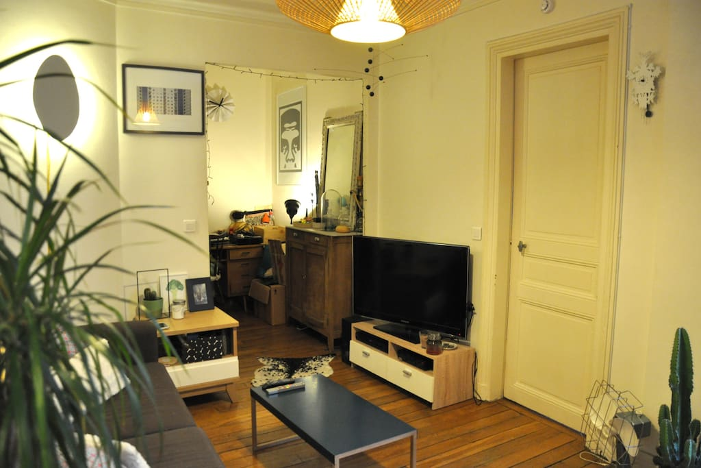 Appartement hosmaniern t2 oberkampf flats for rent in paris le de france france - Deco appartement t2 ...
